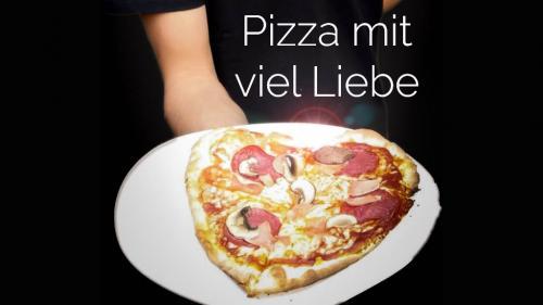 Pizza mit viel LiebePizzazug Stadtfest Aschaffenburg